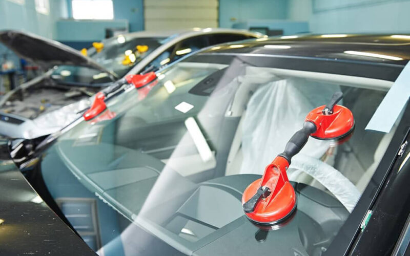 Right Company to Perform Car Windscreen Replacement in Dubai