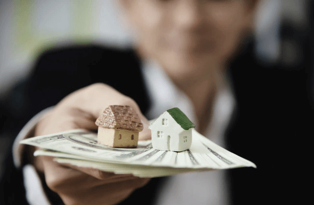 Should I Consider Getting a Real Estate License as An Investor?
